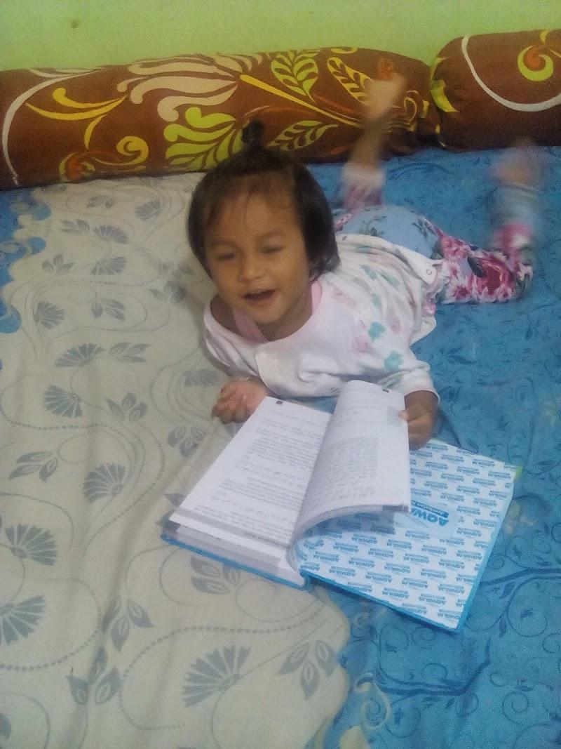 Sebuah buku bersama Hafizah