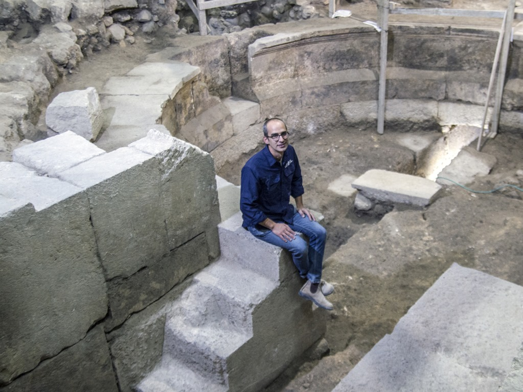 [Roman-theater-Western-Wall-IAA%5B6%5D]