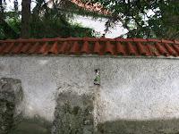 Lőrés a külső falon.JPG