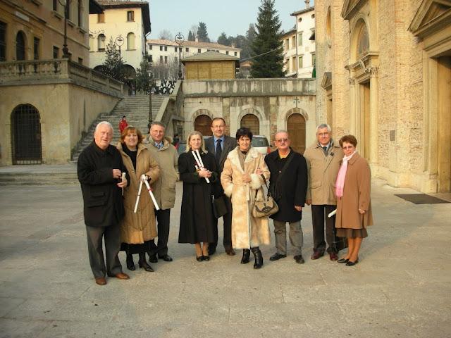 Luigi Mucelli con altri diaconi