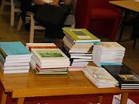 08 A könyvjutalmak egy része.jpg