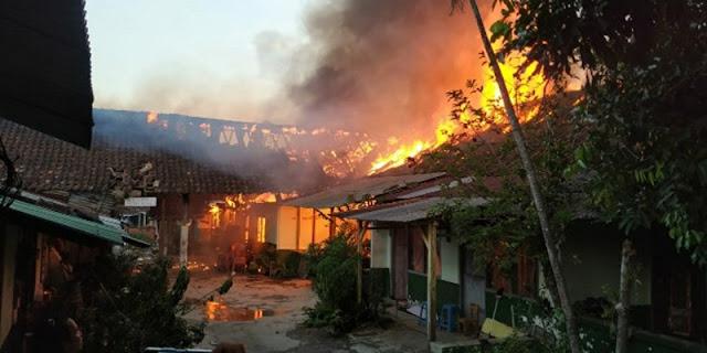 Asrama TNI di Semarang Terbakar Hebat, Sempat Terdengar Ledakan