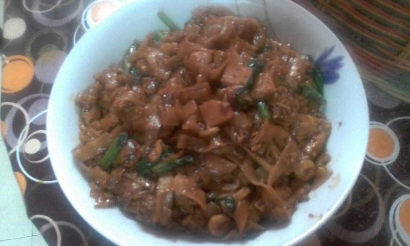 Kuey Teow Goreng Simple Untuk Makan Malam Tadi