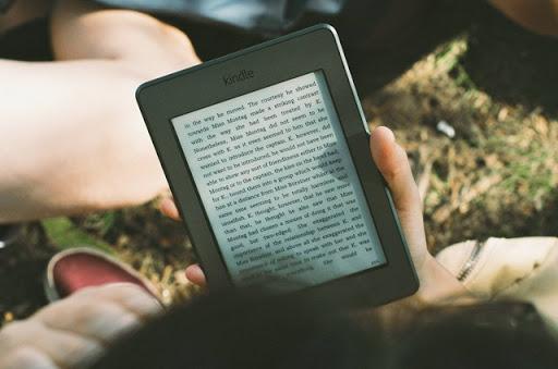 15 Cărți Perfecte pentru Vacanță - Gratis