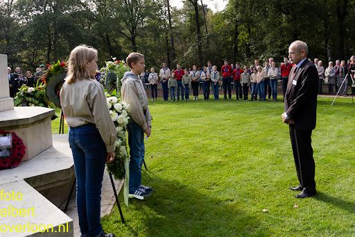 herdenkingsdienst  en een stille tocht naar het Engelse kerkhof 12-10-2014 (77).jpg