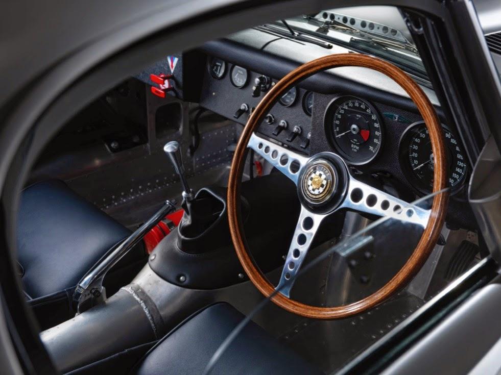 Jaguar Lightweight E-Types Hero_07