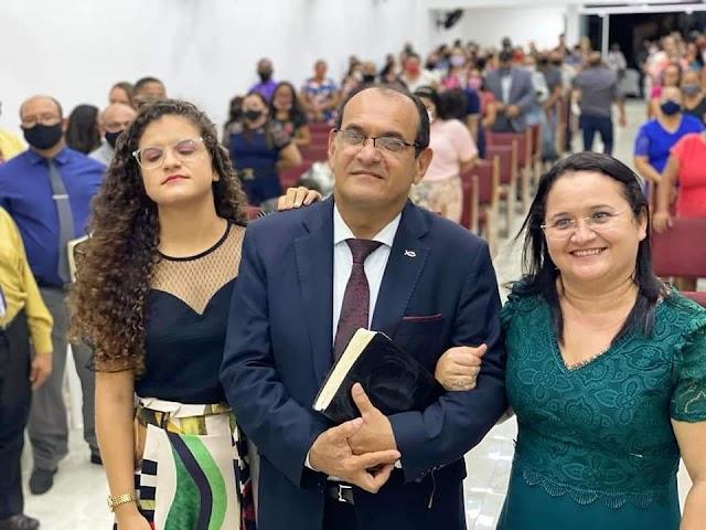 Igreja realiza culto de gratidão pelo aniversário do Pastor Marivaldo Ribeiro, vários pastores foram a Uruaú