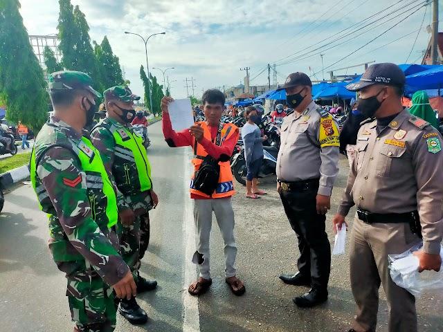 Tiga Warga Terjaring Dalam Operasi Prokes di Pasar Tuah Serumpun Kecamatan Tualang