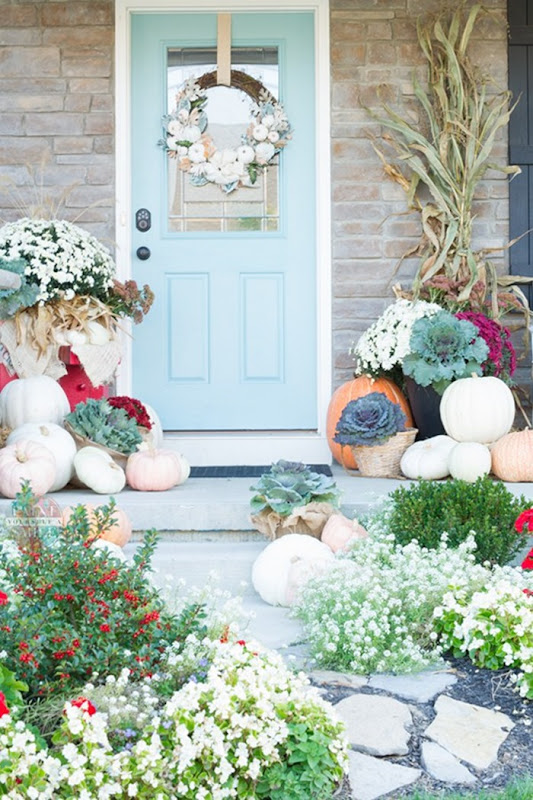 Fall-Porch-decorated