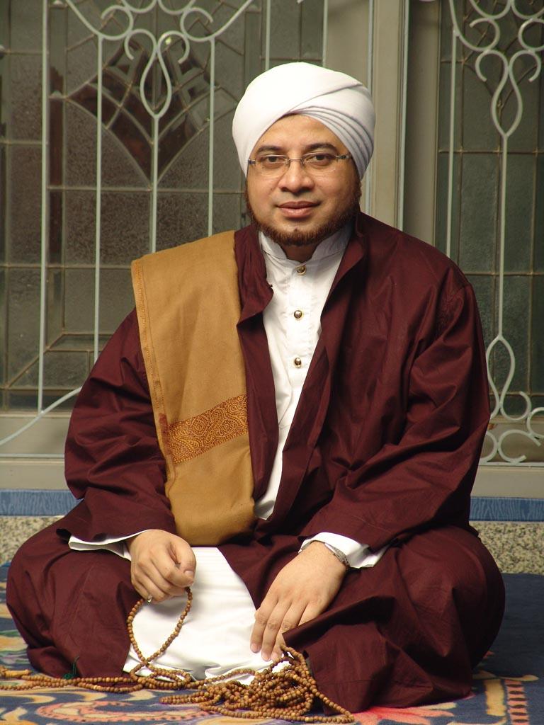 Al Habib Mundzir bin Fuad al-Musawa