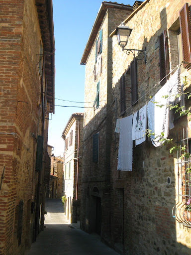 Medieval alleywas in Campagnatico