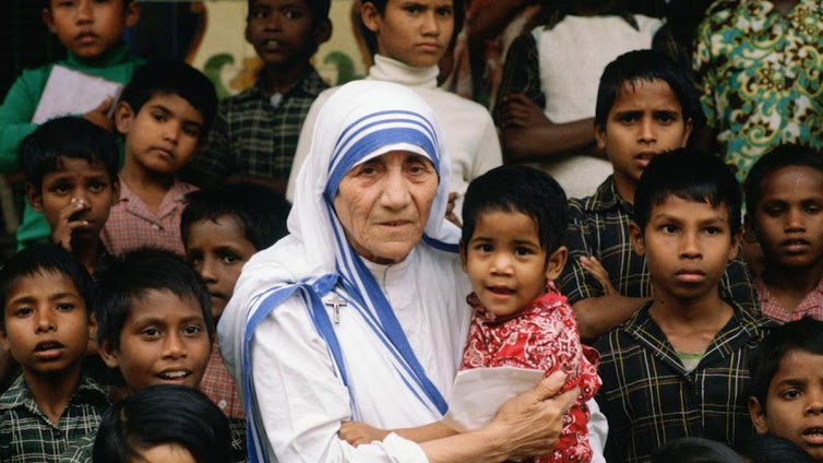 10 trích dẫn truyền cảm hứng nhất của Mẹ Têrêsa