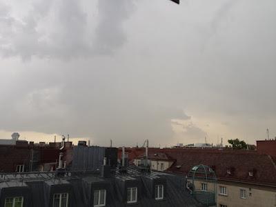 Gewitter im Osten der Stadt gegen 17:15 Uhr