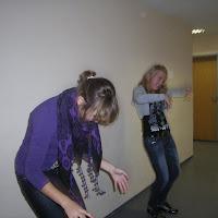 mayke anne dansen in de gang, throw down.JPG