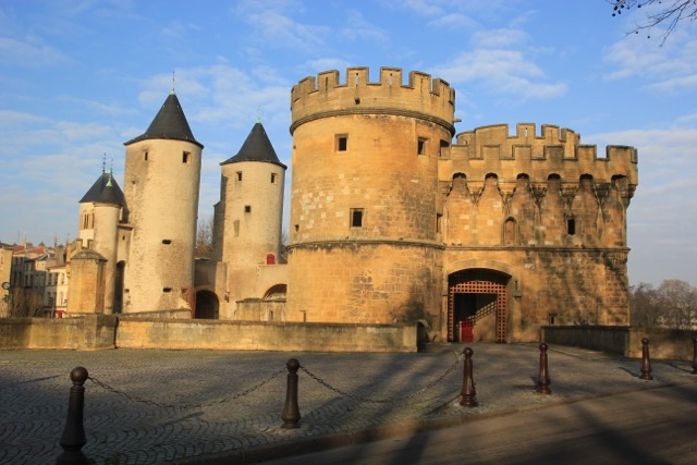 Castle on the Seille river, strengthened by C17th master castle builder Vauban