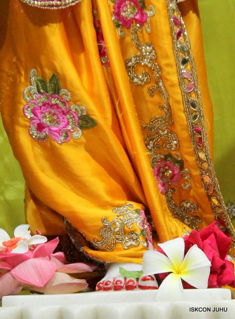 ISKCON Juhu Mangal Deity Darshan on 12th Sep 2016   (28)