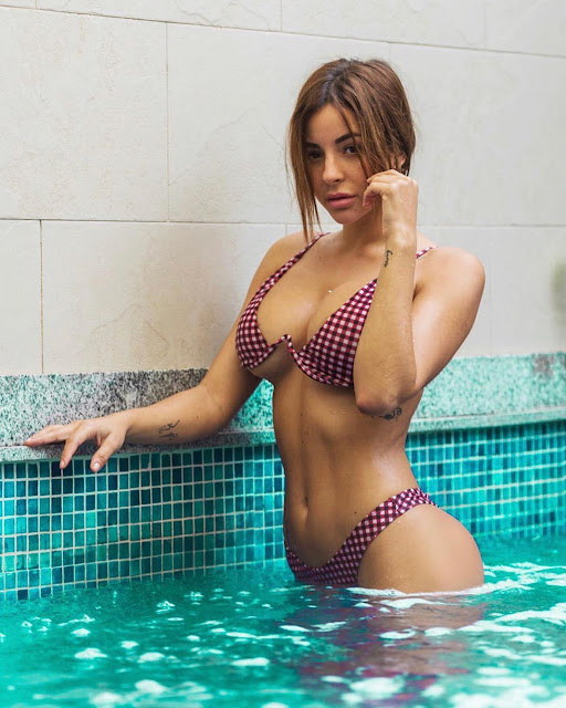 Selfie in a bikini in pool