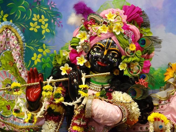 ISKCON Nigdi Deity Darshan 17 Dec 2015 (21)