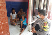 Polisi Sambang, Bhabinkamtibmas Desa Battembat Polsek Kedawung warnai dengan Bansos beras bantu warga tak mampu