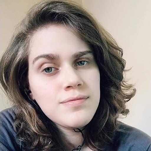 Juliana Pereira picture