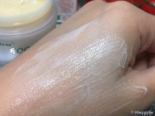 Ava Laboratorium Certified Organic Cream With Tomato Extract Review
