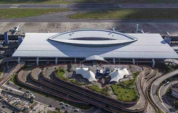 Aeroporto de Recife tem aumento de 443% no movimento de passageiros