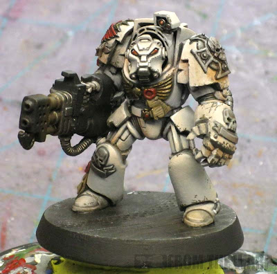 Deathwing Heavy flamer model