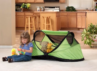KidCo PeaPod Portable Self-Inflating Travel Bed, Image