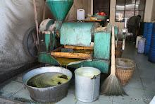 Village de Xizhou : fabrication de l'huile de colza
