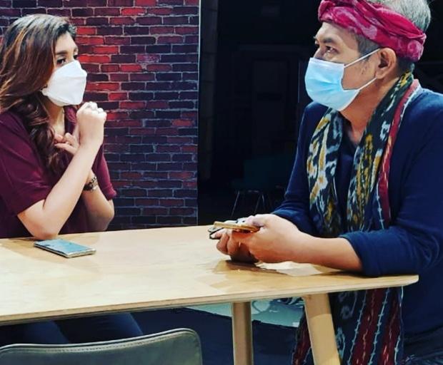 Jodhi Yudono Membuka Talk Show Ngopi dengan Lagu Jawa