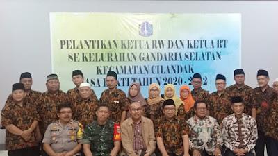 Camat Cilandak Syamsul Idris Lantik Para Ketua RT/RW SeKelurahan Gandaria Selatan