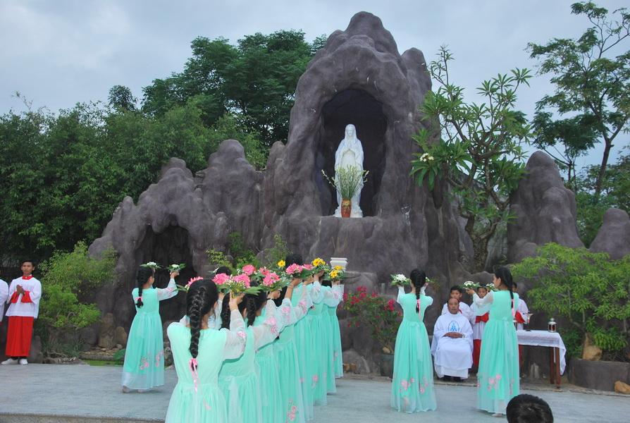 Giáo xứ Vĩnh Thạnh kết thúc tháng hoa
