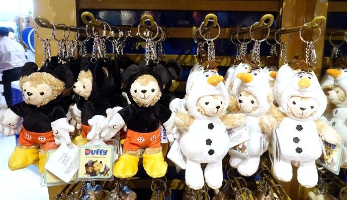 38 香港機場 迪士尼奇妙店 買達菲熊免進迪士尼樂園