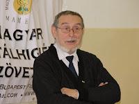 01 Buza Domonkos, a Magyar Mentálhigiénés Szövetség elnöke megnyitja a konferenciát.jpg