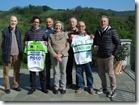 1 -Foto dei 6 ciclisti con Marina Coppi a casa Coppi