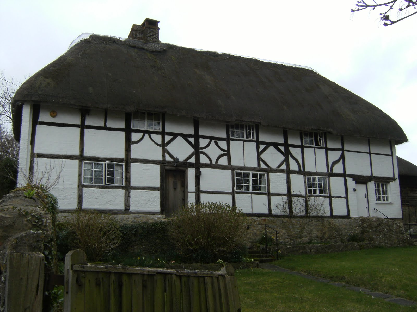 1004050016 Thatched cottage, Amberley