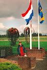 Overasselt monument - Market Garden 1994