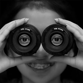 Behind The Lens... by Ramakant Sharda - Black & White Portraits & People ( black and white, white, lens, black, eyes )