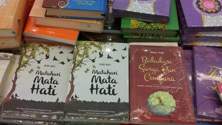 Buku Dian Nafi di Gramedia Binjai