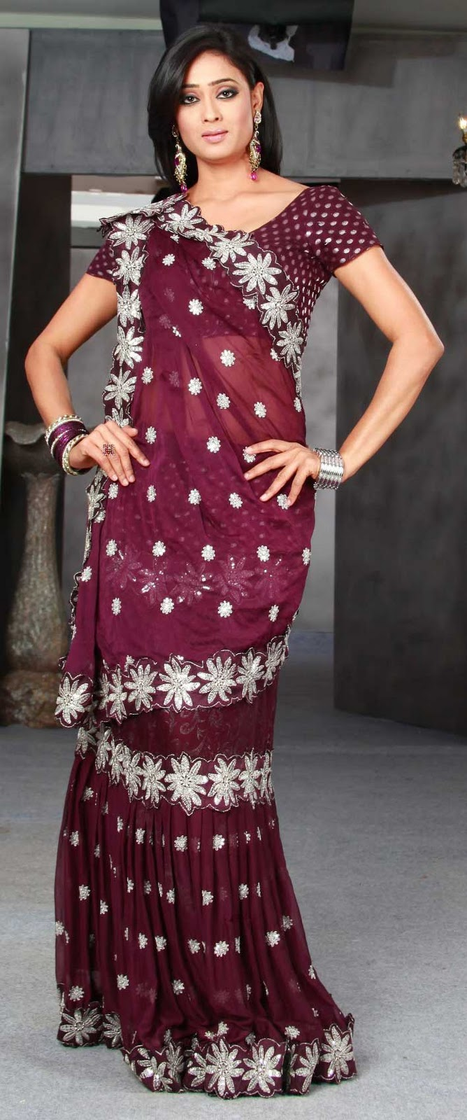 Kalazone now has the cheapest saree of just Rs.77/-.