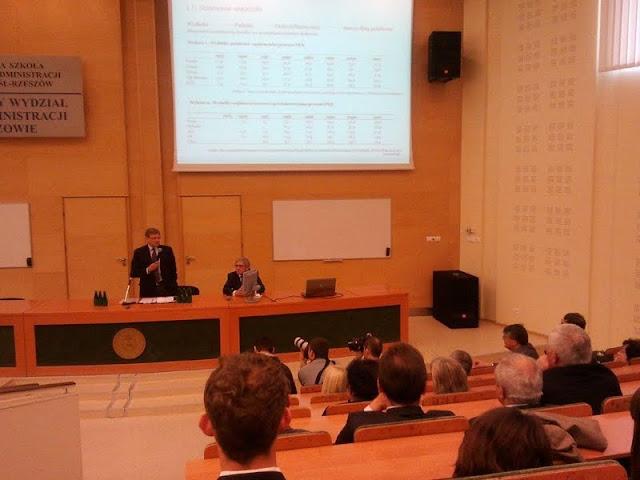 Spotkanie z prof. Leszkiem Balcerowiczem - 2012-06-15%2B09.50.19.jpg