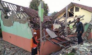 Kemendikbud Bolehkan Dana BOS Untuk Perbaiki Sekolah Rusak Karena Bencana