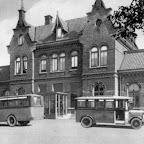 Station Lage Zwaluwe met 2 bussen_BEW.jpg
