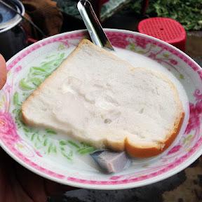 【意外グルメ】ミルクに食パンと氷を入れたアイススイーツがすげーうまい! 革命的なウマさ「シュエジンエイ」