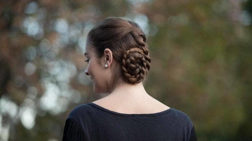 Styles Side Bun Hairstyles Freshen To Win You Over 4