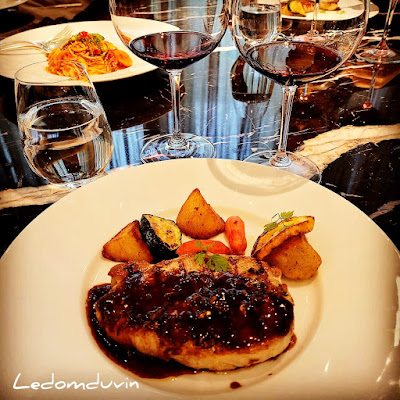Farewell lunch at Le Pan with my colleagues by ©LeDomduVin 2021