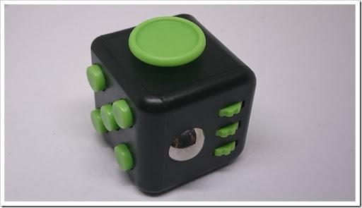 DSC 1341 thumb%25255B2%25255D - 【ガジェット】「XeYOU Fidget Cube (フィジェットキューブ)ストレス解消キューブ」「Readaeer® CREE社製 CREE-T6搭載 超高輝度LED 懐中電灯」レビュー。【フィジェット/小物/LED】