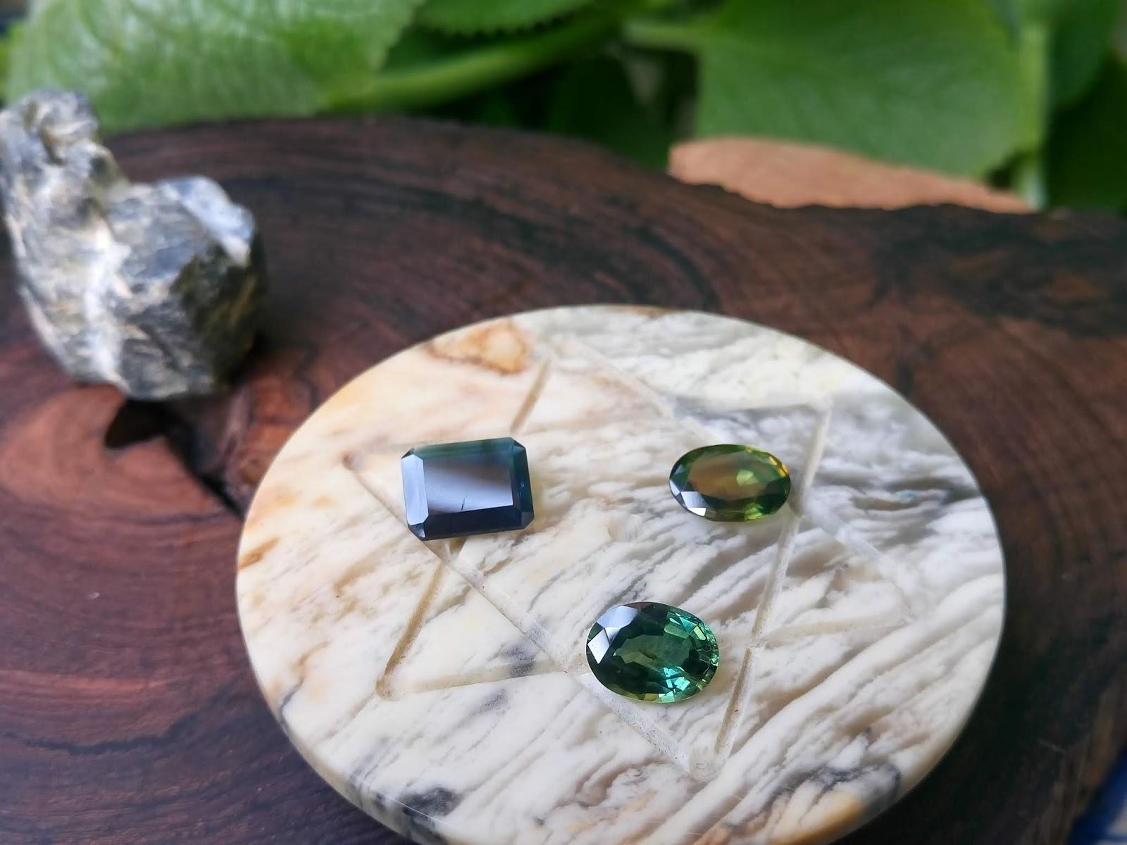 Đá Natural Sapphire thiên nhiên Hàng Việt Nam tuyển chọn sạch đẹp lửa mạnh