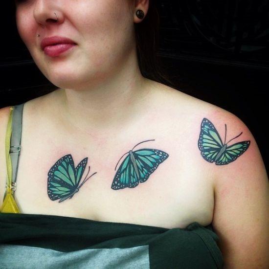 verde_e_preto_colar_de_borboleta_osso_tatuagens