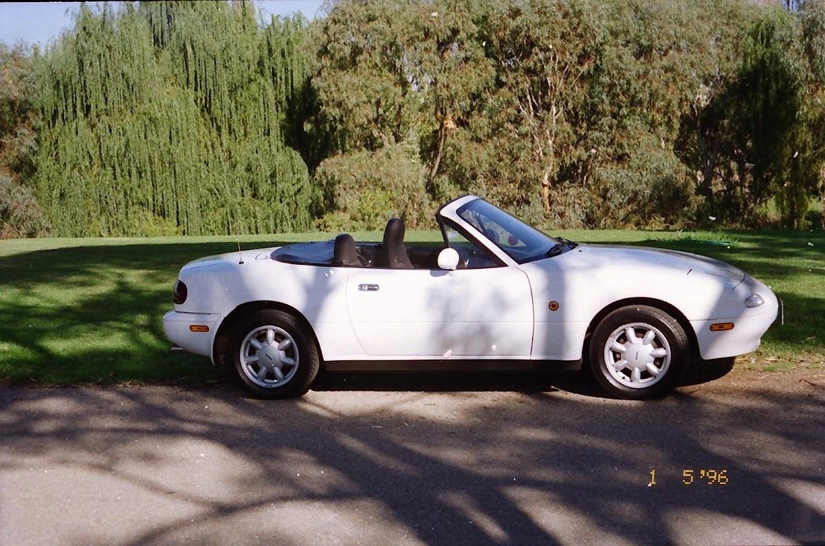 0330Mazda MX-5 1990.jpg